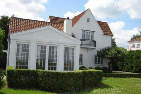 Classic Strandvej Villa with beach plot