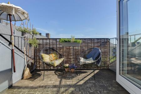 Wonderful penthouse apartment - only for EXPATS