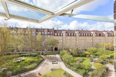Bright apartment with balcony - Østerbro